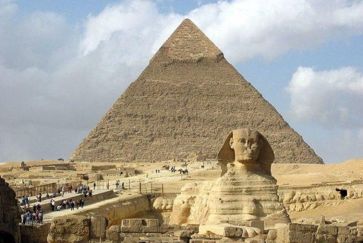 Piramida-Khafre-dan-Sphinx-yang masih kokoh
